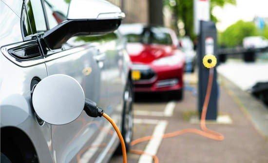 Macchine elettriche: 3 motivi per cui non si diffondono