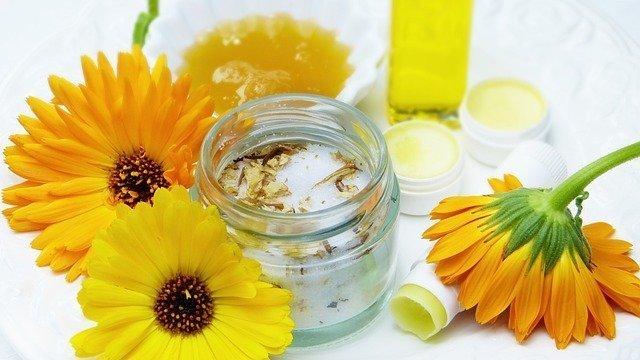 Cosmetici fai da te: ricette per l'autoproduzione casalinga